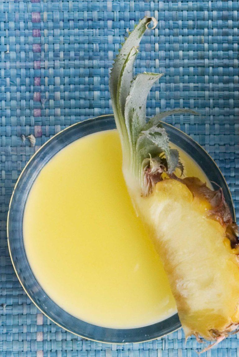 kookospannacotta ja ananasta