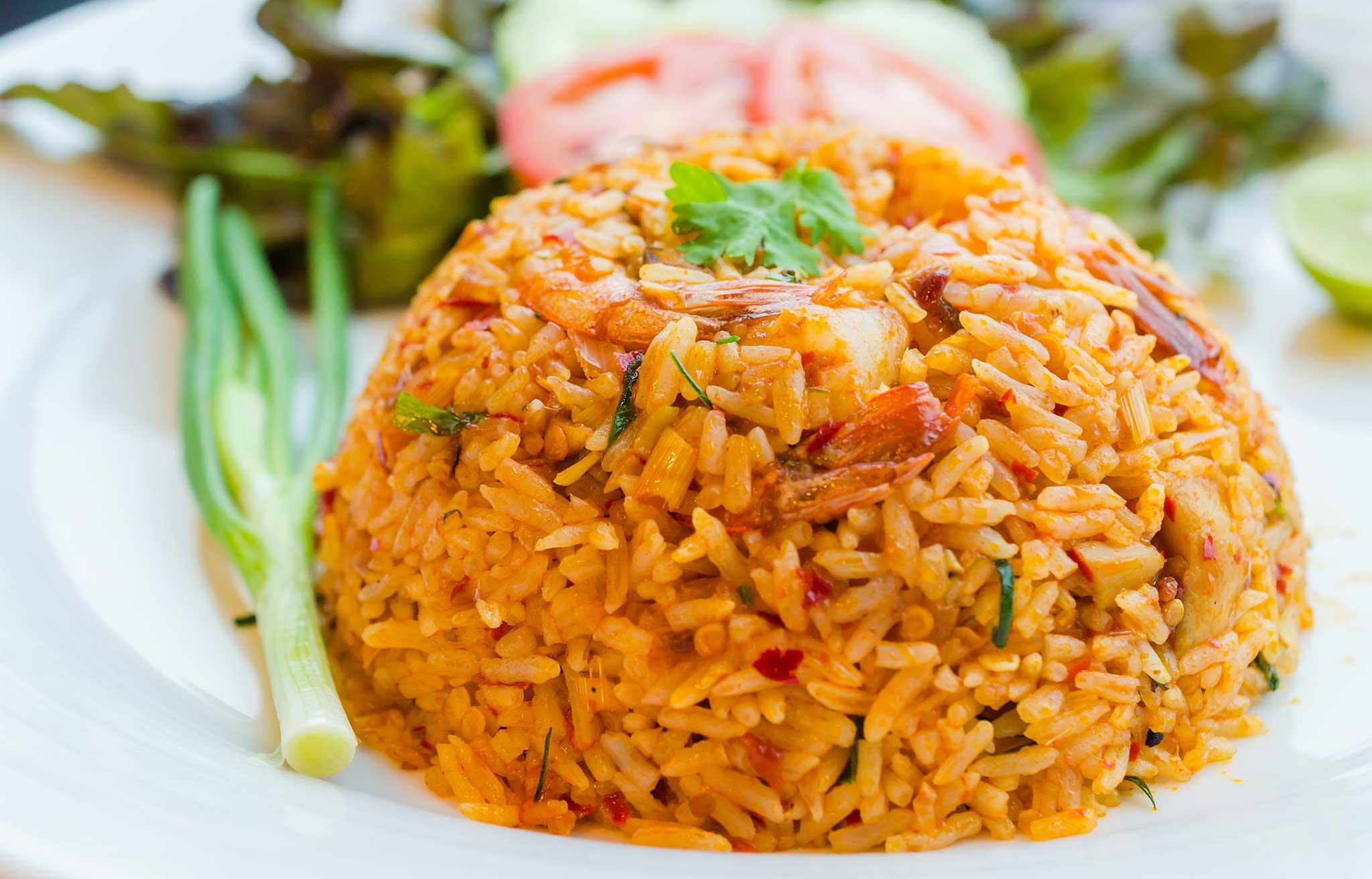nasi goreng eli indonesialainen paistettu riisi