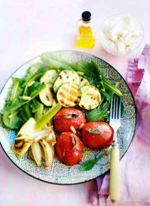 Salaatti_grillatuista_kasviksista
