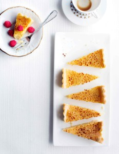 Sitruunainen_crème_brûlée_piirakka_1