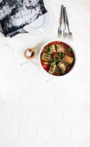 munakoiso-härkiskääryleet tomaattikasteikkeessa