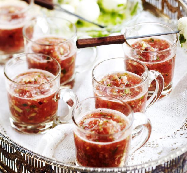 vesimelonigazpacho lasissa