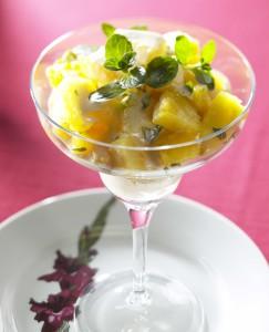 ananas kookoskastikeessa