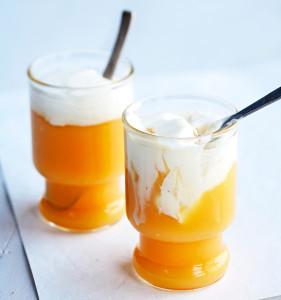 appelsiini-sitruunakiisseli ja mascarpone-marenkikerma